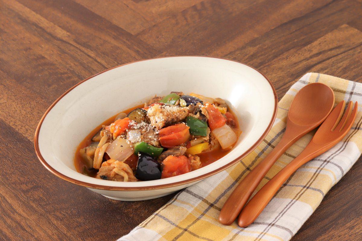 野菜たっぷり♪レンジでサバ缶ラタトゥイユ
